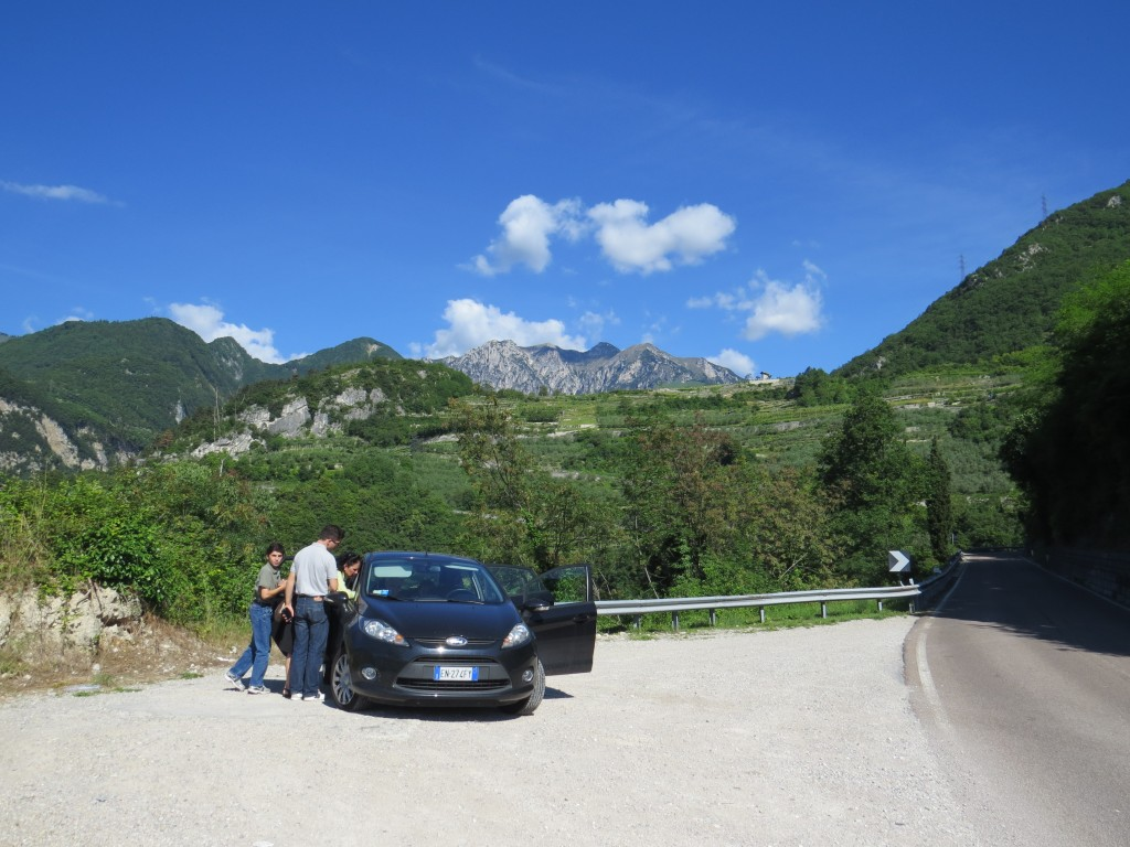 Pulling off while driving around Lake Garda