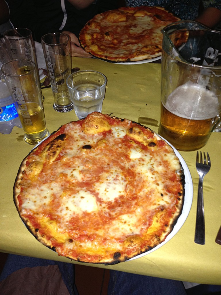Pizza, Cave Canem Restaurant, Rome